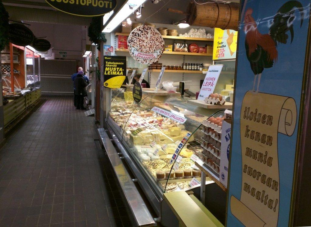 Kaasbrood in markthal Helsinki